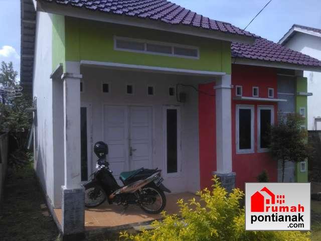 Desain Rumah Minimalis Dengan Halaman Luas rumah minimalis 2019 di p h muksin kubu raya agent